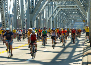 Clark Memorial Bridge 100 cyclists
